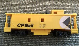 Tri-ang OO Canadian Pacific CP Rail 35644 Caboose - Rare