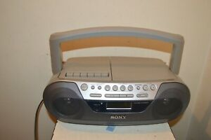 Reader Cassette Recorder CD Radio SONY CFD-S05 Works Boombox