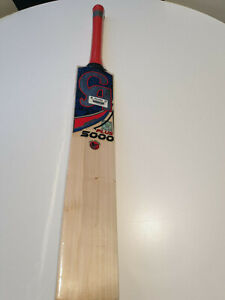CA PLUS 5000 CRICKET BAT ENGLISH WILLOW 9 GRAINS 38 MM EDGE 2.7 POUND WEIGHT