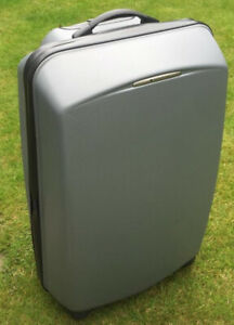 DELSEY HARD SHELL SUITCASE