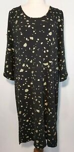 Virtuelle Size XS (14-16) Black Gold Dot 3/4 Stud Sleeve Shift Dress Knit
