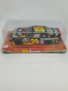 2004 Winners Circle Kevin Harvick #29 KISS Monte Carlo Diecast 1:24 Factory Seal