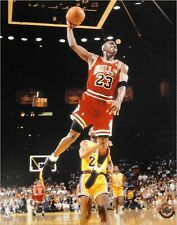 Michael Jordan Unsigned 8x10 Photo Chicago Bulls Glide Dunk VS Lakers