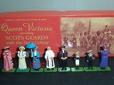 BRITAINS 40207 QUEEN VICTORIA SCOTS GUARD STATE COLOUR METAL CIVILIAN FIGURE SET