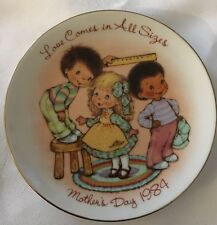 Avon Mothers Day Plate 1984 Love Comes In All Sizes