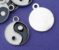 5 YIN YANG CHARMS 20mm ENAMEL & SILVER TONE METAL JEWELLERY MAKING PENDANTS (F9)