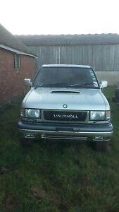 isuzu trooper/ Vauxhall Monterey  3.1  breaking rusty nut