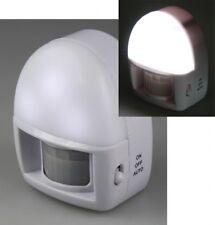 LED Nachtlicht mit Bewegungsmelder Batteriebetrieb, 3 weiße LEDs, On/Off/Aus
