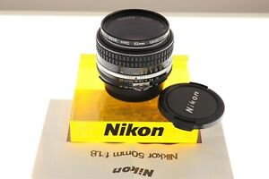 Nikon Nikkor 50mm f/1.8 Ai-s standard lens. MINT- condition.+filter. Classic!