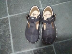 Clarks Baby girl First Shoes Grey Patent Leather Size 5.5G