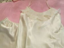 ERIKA TAYLOR INTIMATES BEAUTIFUL IVORY 2 PIECE SLEEPWEAR SIZE S/M