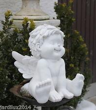 Statue ange assis en pierre reconstituée, ton pierre blanche