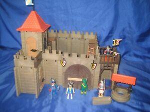 älteres Playmobil /Ritter / Klicky Ritterburg mit Zubehör, Figuren