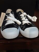 bobbie Brooks Kids Sneakers Size 6