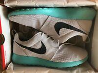 Nike Roshe Run Calypso Athletic Shoe Size 12