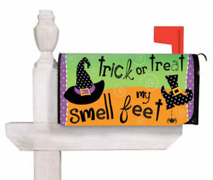 """Mailbox Cover, Evergreen  Magnetic, """"trick or treat  smell my feet"""""""