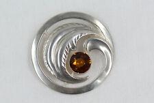Schöne Brosche aus Silber 800 mit Schmuckstein orange