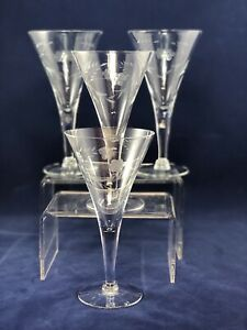 """Vintage Etched Flowers Leaves Glass/CRYSTAL 7.5"""" FLUTED CHAMPAGNE GLASSES"""