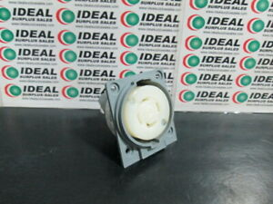 HUBBELL HBL2730 RECEPTACLE NEW