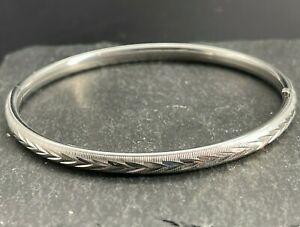 Vintage 925 Sterling Silver Bangle Bracelet Textured Etched Triangles