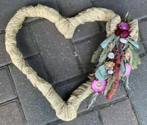 wall decorations Dried Flower Arrangement Heart frame Handmade Jute Sustainable