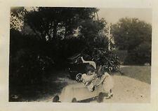 PHOTO ANCIENNE - VINTAGE SNAPSHOT - VOITURE À PÉDALES VOITURETTE - TOY OLD CAR