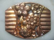 Vintage Floral Medallion: Art Deco Style Die Struck Brass Ribbed Flower Stamping