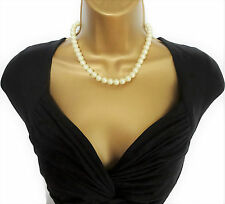 """Beautiful Vintage Look Cream Glass Pearl Bead Necklace with Crystal Clasp 17"""""""