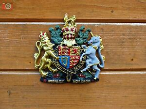 ROYAL COAT OF ARMS WALL PLAQUE. Crest, Warrant, Queen Elizabeth. Government