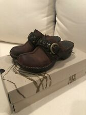 New Womens B.O.C. Born Concepts KARLEY Brown Leather Clogs Mules Shoes Size 6