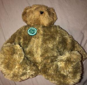 VERMONT TEDDY BEAR REMOVABLE BIRTHDAY SUIT SITTING STUFFED ANIMAL PLUSH TOY