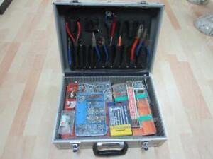 Werkzeugkoffer mit Inhalt, Steinbohrer, Schrauben usw. - Bitte Ansehen  3N5599