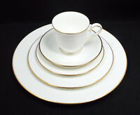 Lenox China Hannah Gold Service for 8, 5 Piece Place Setting