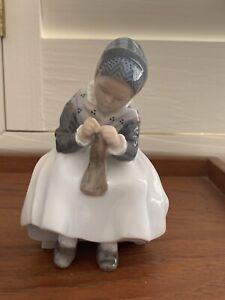 Vintage (1956) Royal Copenhagen Porcelain Figurine Knitting Amager Girl #1314