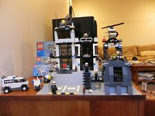 LEGO City Police Station 7237 Complete with 7 minifigs and instructions