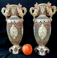 * IGNACE FISCHER - Paire de vase faïence à décor de dragon -  circa 1880