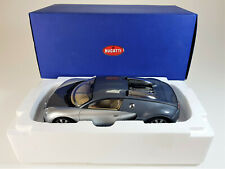 1:18 AUTOART Bugatti Veyron silber/ grau *Spiegel fehlt* mit Originalverpackung