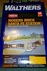 Walthers HO Scale Modern Brick Santa Fe Station Kit NIB