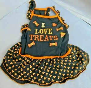 """Dog Halloween Size Small, Excellent Condition """"I love treats"""" dress CUTE CLEAN"""