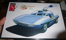 AMT PIRANHA SUPER SPY CAR 1/25 Model Car Mountain KIT FS 900 Man from UNCLE