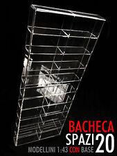 Bacheca/Vetrina in plexiglass Scala 1:43 modellini con base - 20 moduli