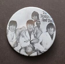 Vtg Orig THE BEATLES Butcher Cover Button Pin Pinback (The Yesterday & Today)