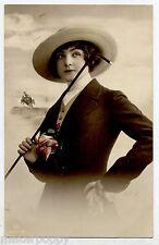 Donnina in tenuta da Maneggio Cavallo Horse Lady RP PC Vera Foto Viaggiata 1914