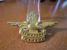 WWII Era Air Cadets Canada Eagle & Maple Leaf Cap Badge #1211