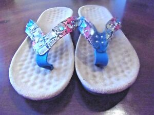 TURQUOISE SNAKE PRINT THONG SANDALS W/JEWELS 8M  FREE S/H