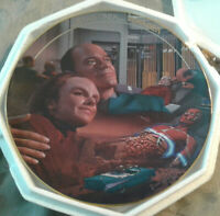 Low # 1391A Life Signs Star Trek Voyager Episode Collector Plate by Hamilton
