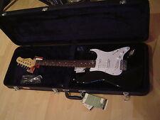 Stagg E-Gitarre S300-BK + Koffer - Neu!