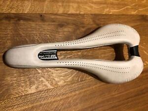 SELLE ITALIA SLR SUPERFLOW Sattel RENNRAD Carbon Weiß