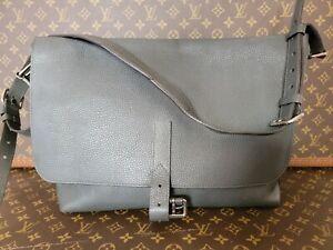 MARIUS Crossbody Messenger Louis VUITTON AUTHENTIC Taurillon Soft Leather Bag