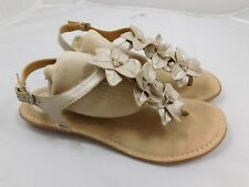 Born Women's Flower Sandals  10  Gold Metallic Flip Flops T Strap C84746